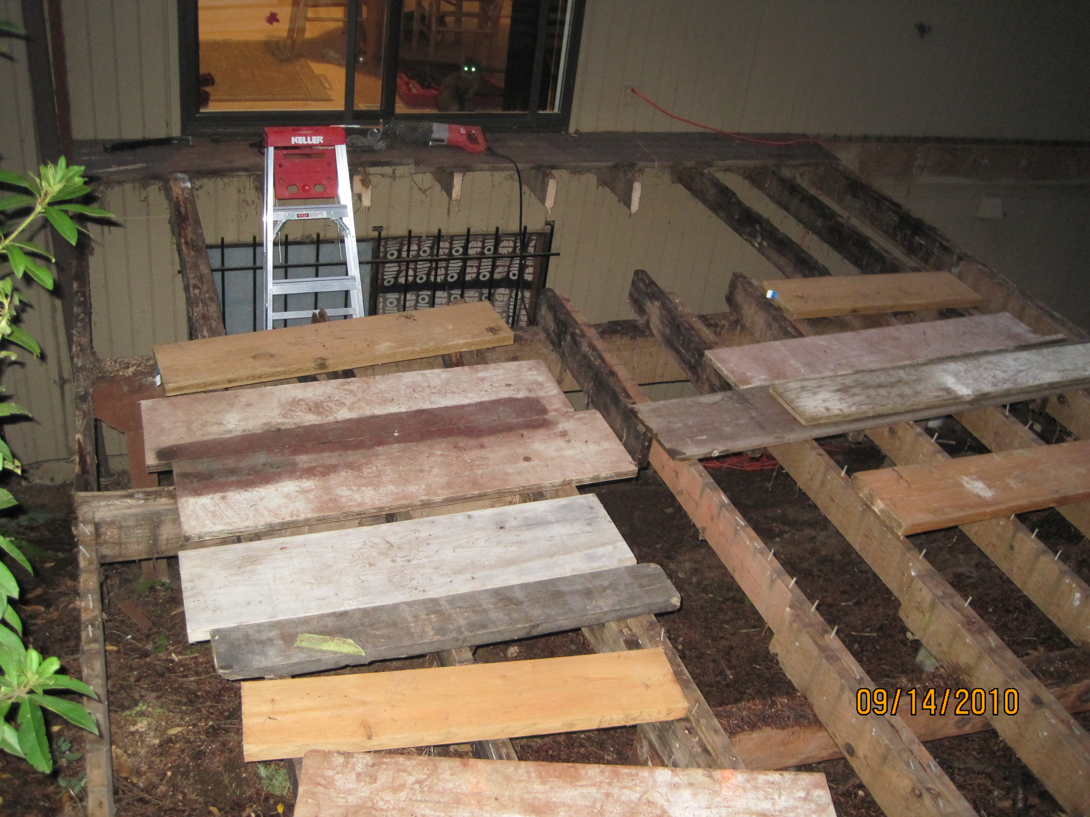My do it yourself deck demolition rebuild hamster dreams whats left of the old deck solutioingenieria Gallery