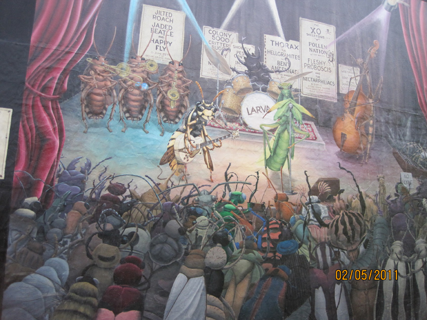 Totally awesome and yet creepy wall murals i have seen for Concert wall mural